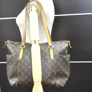 🔥Louis Vuitton Monogamous Totally MM Tote❤️
